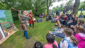 Fancy a bit of storytelling? These kids surely did in our very own Kilkenny Castle park
