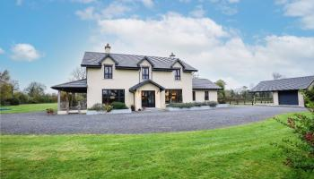 Impressive country residence hits the Kilkenny property market - click to take a tour!