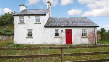 Charming Midlands cottage has a guide price of only €50k - click for pics!