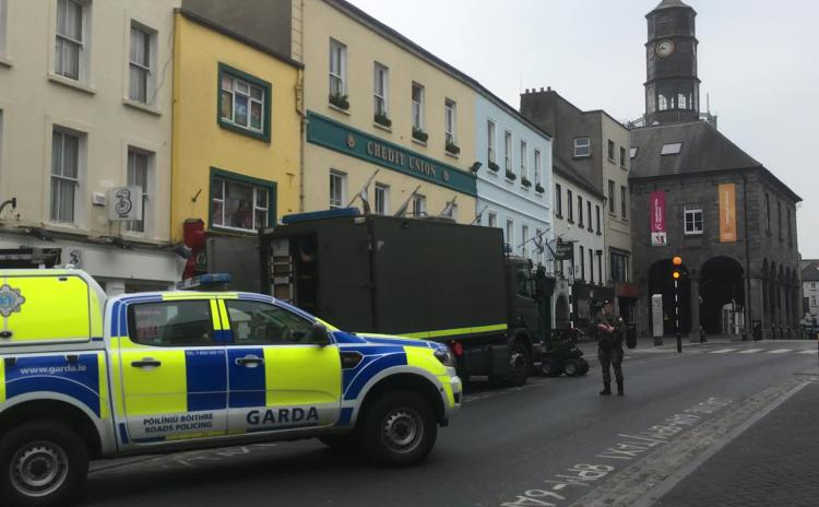 Video: Army Bomb Disposal Unit investigate suspicious package in Kilkenny